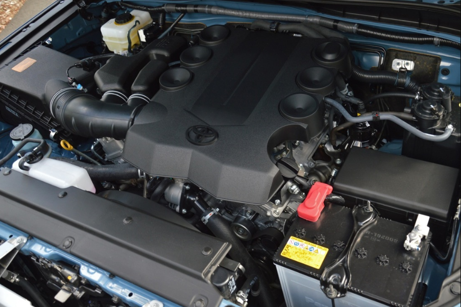 2020 Toyota FJ Cruiser Engine